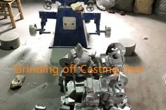 Grinding off Casting riser