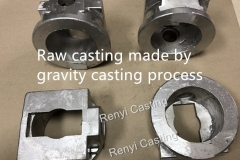 Raw casting made by gravity casting