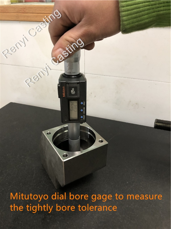 Mitutoyo dial bore gage to measure the tightly bore tolerance